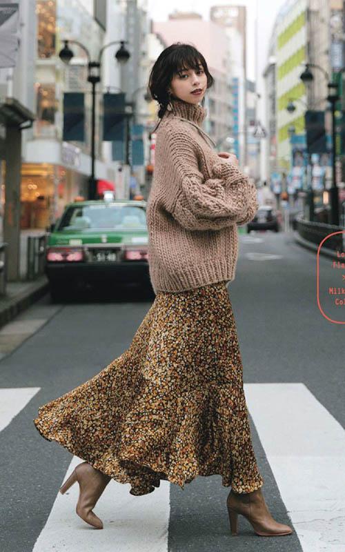 шелковое платье со свитером, платье со свитером, платье со свитером сверху, как носить платье со свитером, шифоновое платье со свитером