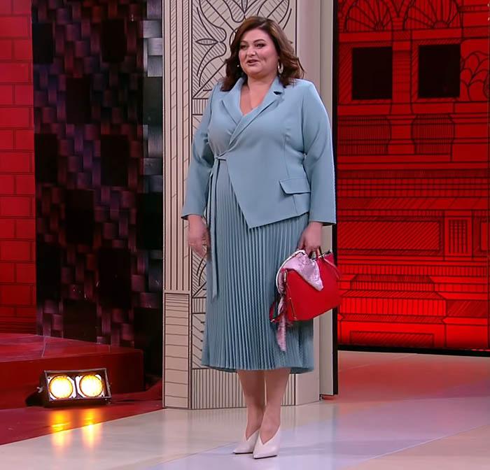 платье на фигуру яблоко с животом, фигура яблоко большие размеры